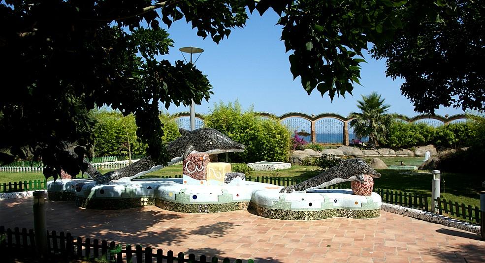 O leme imagens de oropesa del mar jardins de marina d 39 or for O jardins d eglantine